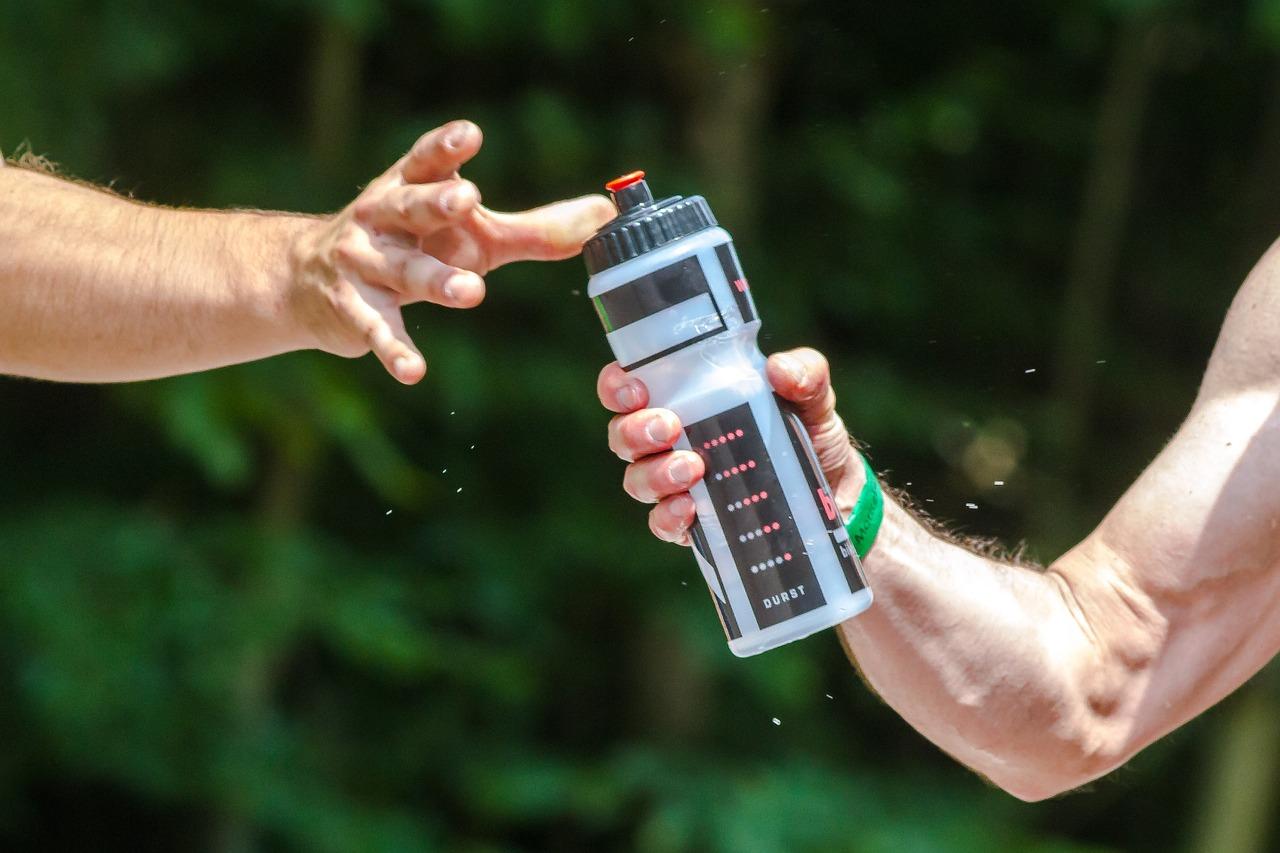 Sportgetränke für Läufer - Was ist sinnvoll? - Marathontraining: So ...