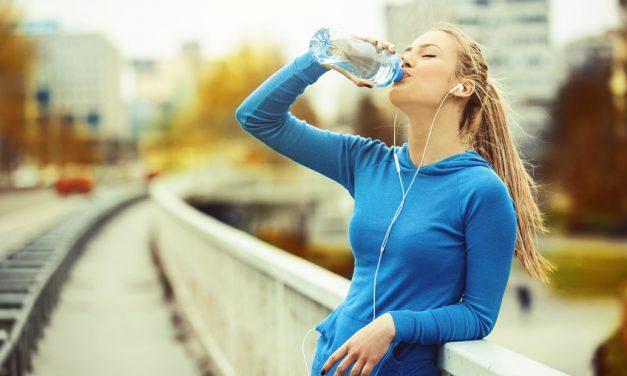 Ist zu viel trinken gefährlich? Wasservergiftung und Hyponatriämie