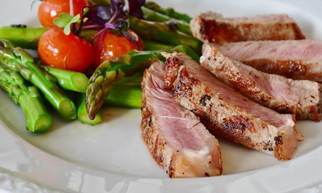 Ketogene Ernährung vs  Atkins Diät: Was sind die Unterschiede, welche Diät ist besser?