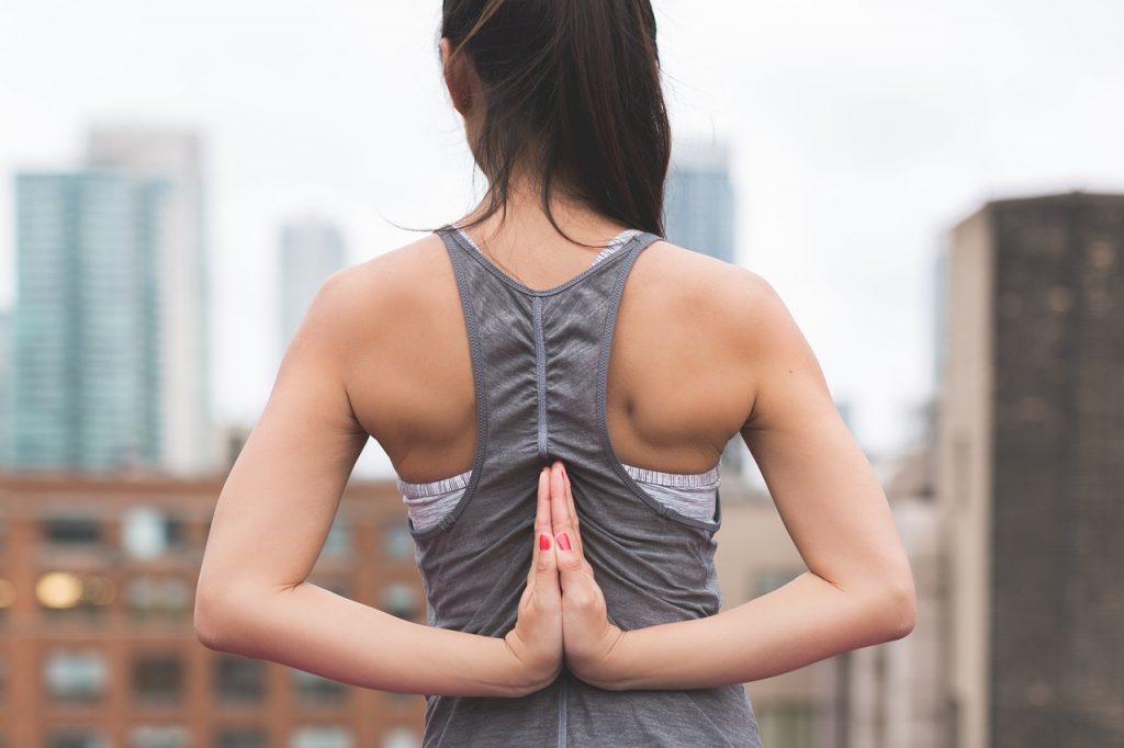 Die besten Yoga Übungen für Läufer und Jogger. Klicke hier um mehr zu erfahren!